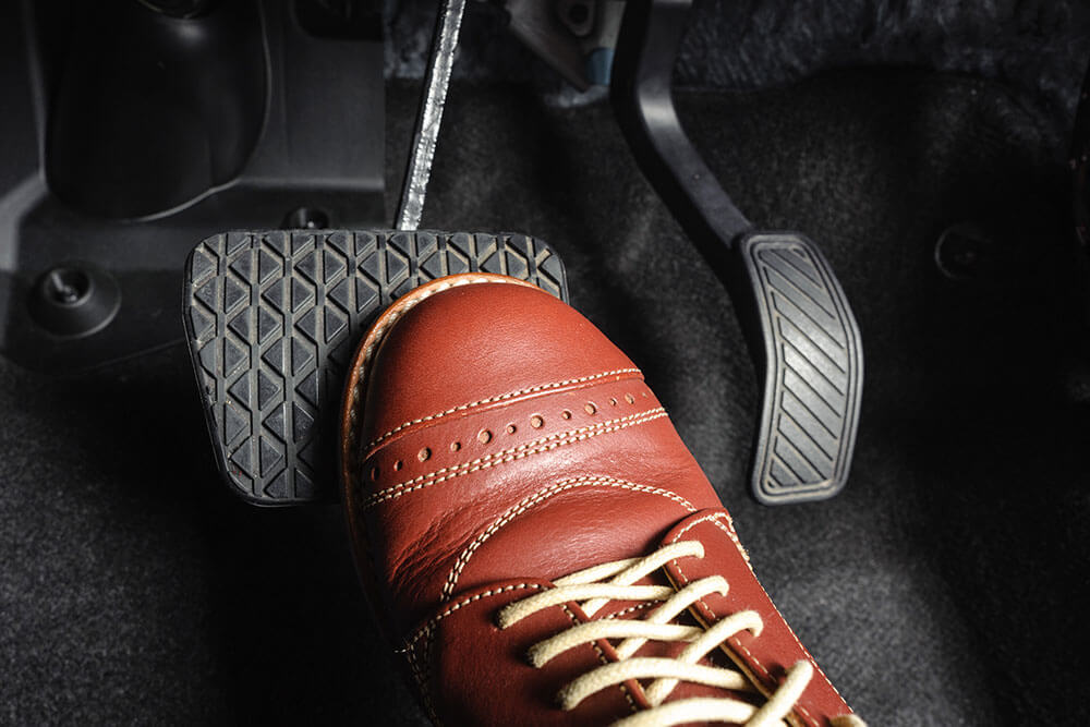 why-your-brake-pedal-is-hard-to-push-down
